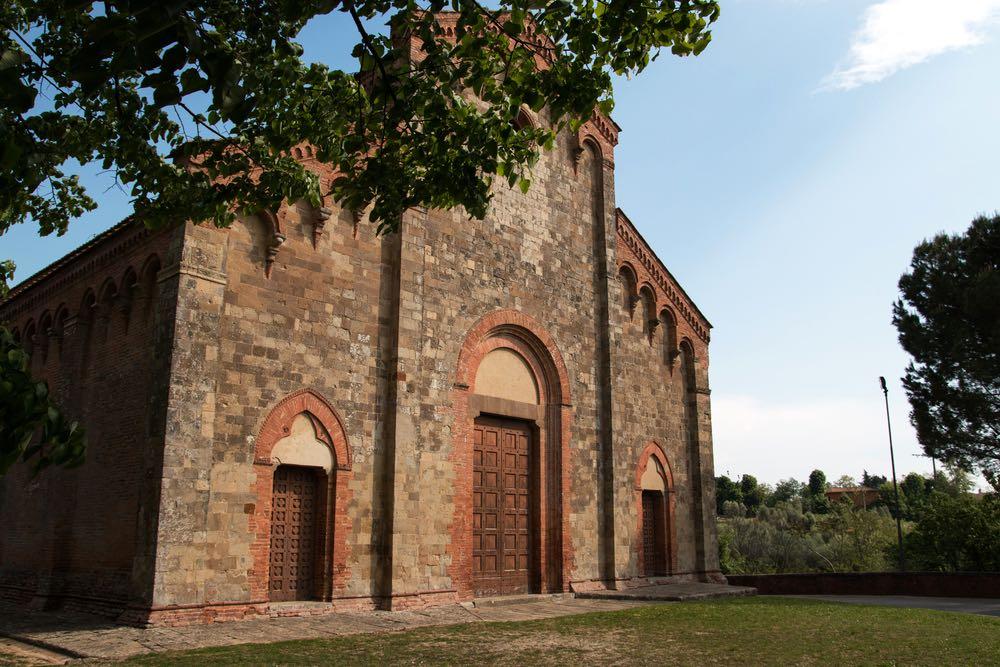 Antica chiesa alle porte di Palaia, in Valdera, Toscana