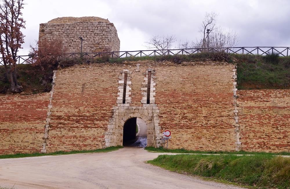 Porta San Francesco, Fortezza Medicea di Poggibonsi, Val d'Elsa,