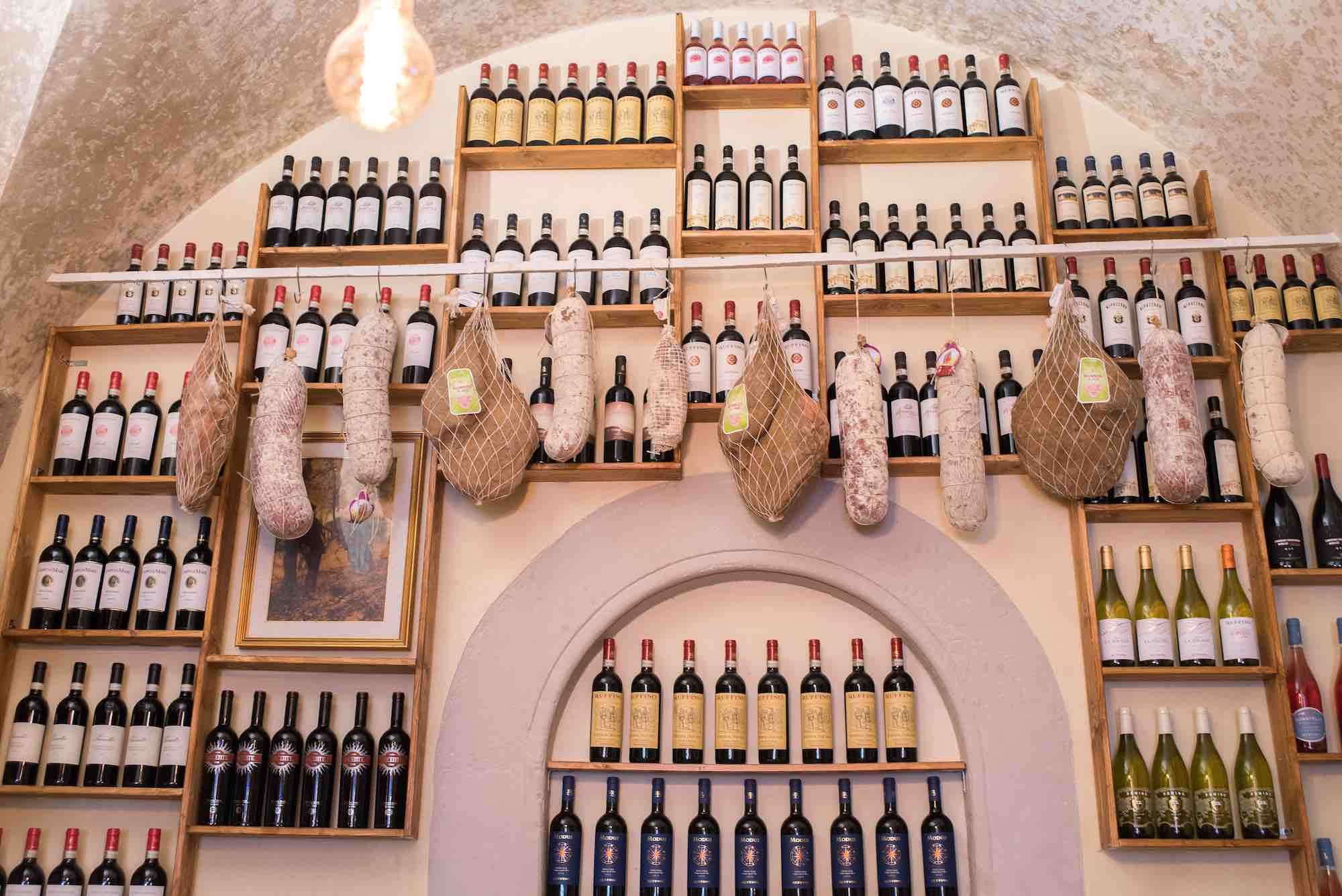 Interno della Bisteccheria Santa Croce, ristorante a Firenze