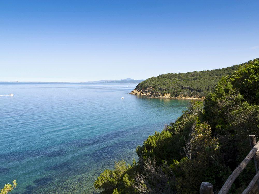 Cala Martina è una bellissima spiaggia in Toscana vicino a Punta Ala, ottima alternativa a Cala Violina