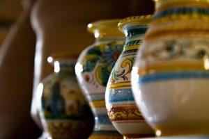 Vasi dipinti a mano di ceramica toscana