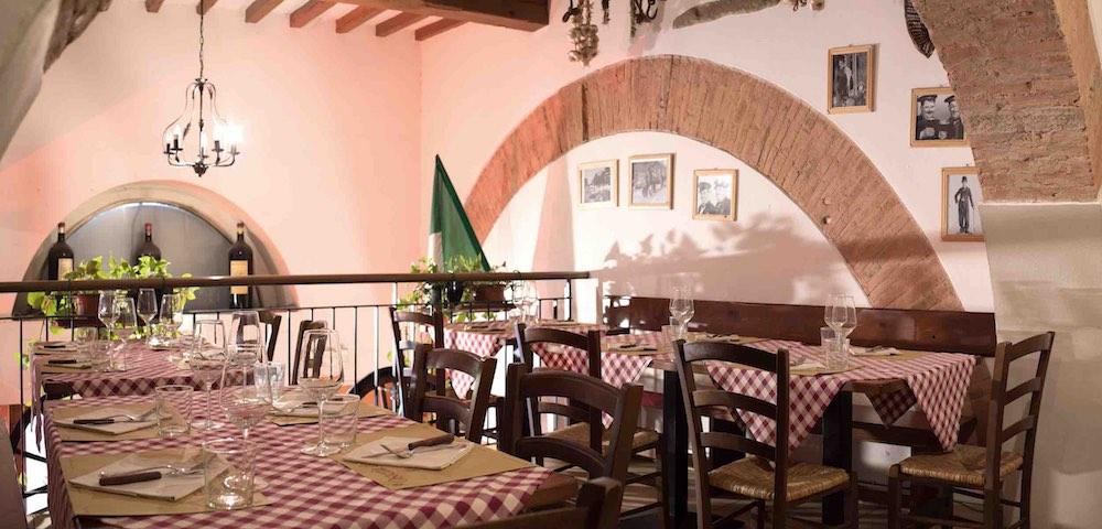 Interno dell'Osteria del Proconsolo, ristorante toscano nel centro di Firenze
