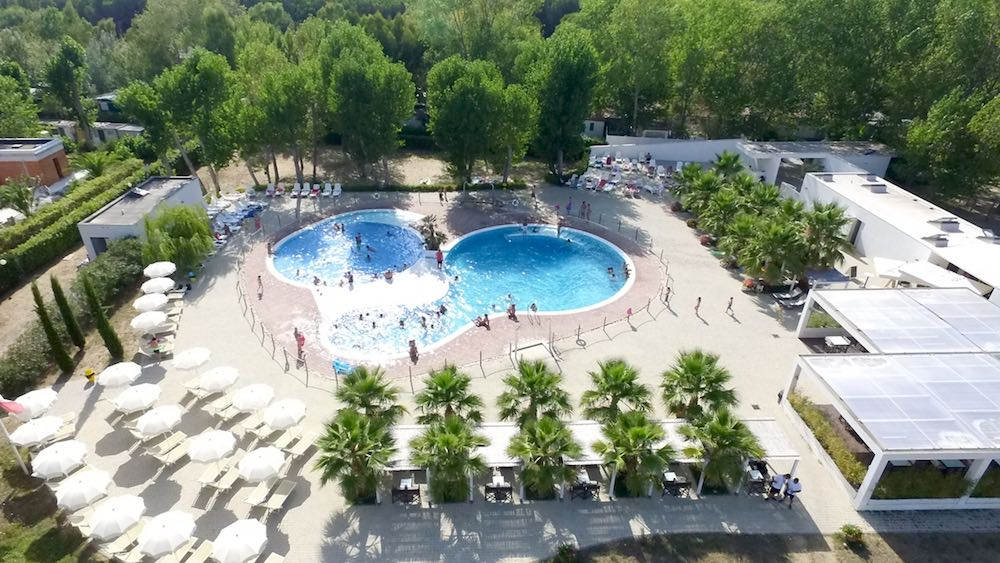 La piscina del campeggio al mare in Toscana Molino al Fuoco , Vada
