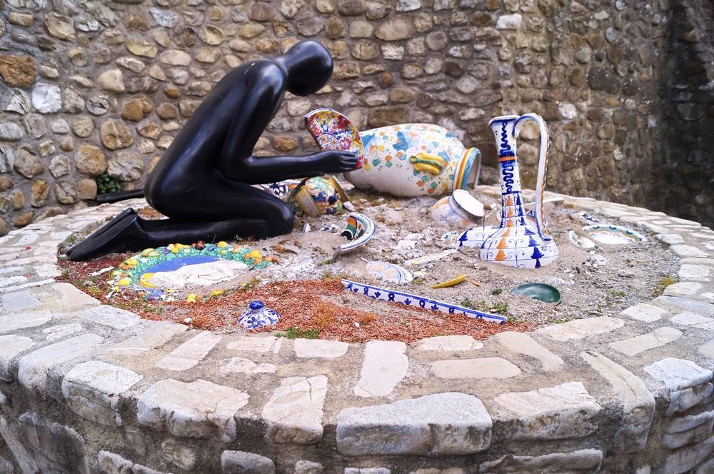 Scultura a Montelupo Fiorentino, borgo della ceramica toscana