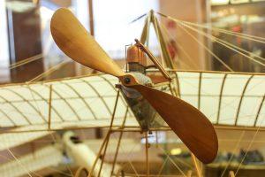 Riproduzione dell'aeroplano di Leonardo da Vinci