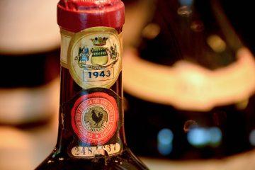Bottiglia di Chianti Classico sigillata, vendemmia 1943
