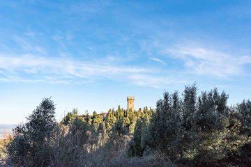Il castello di Gargonza, borgo fortificato in Toscana tra Arezzo e Siena
