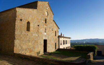 La facciata di San Pietro a Gropina, antica pieve del Valdarno