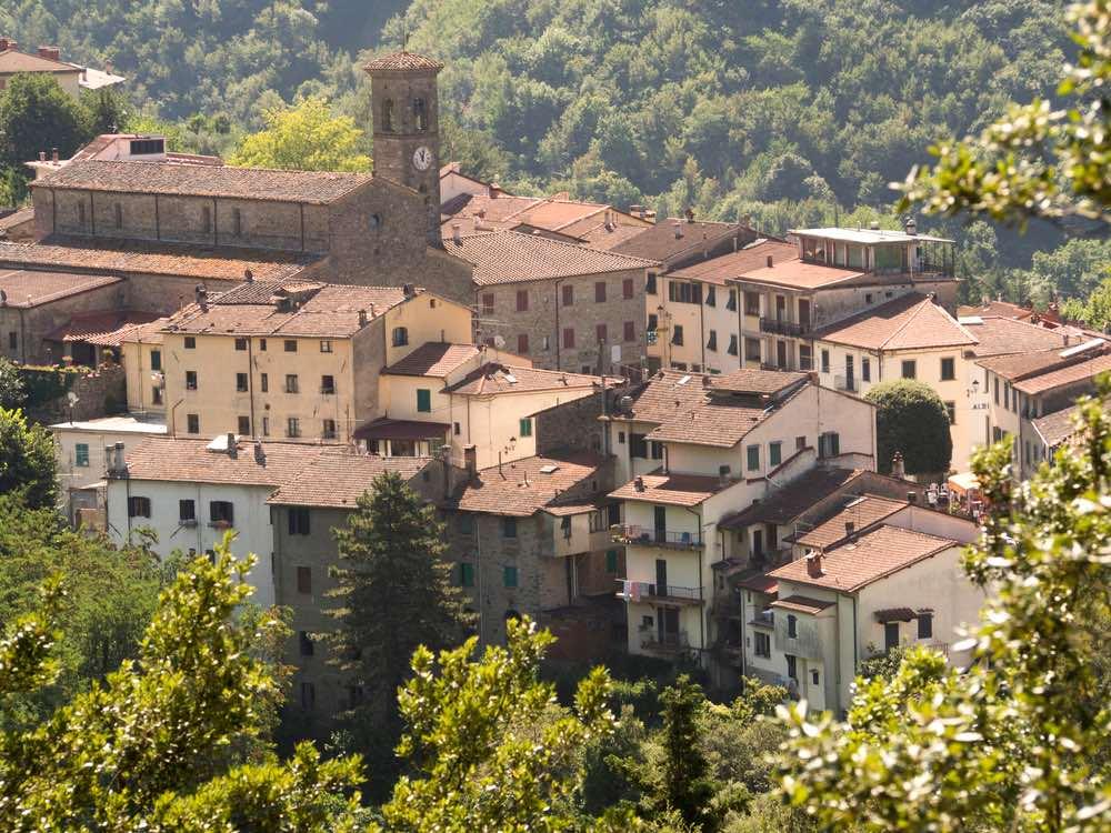 Il borgo toscano di San Godenzo si trova vicino al Passo del Muraglione che collega Toscana e Romagna