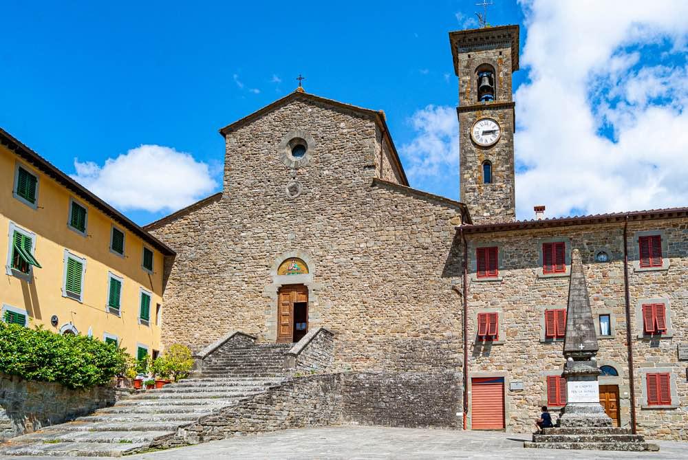 Chiesa principale di San Godenzo, borgo toscano sulla strada per il Passo del Muraglione